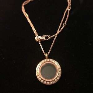 Small Origami Owl Rose gold locket and chain